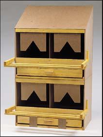 Les pondoirs peuvent etre superposés dans ce cas il faut prendre un nid à toit plat pour celui qui sera en dessous